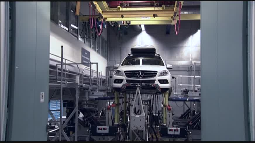 2012 Mercedes-Benz ML-Class World Premiere - Technics Footage: Body Shell Test Rig