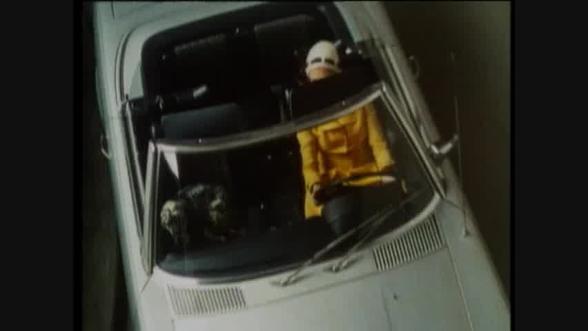 Safety & Comfort: 1971 Mercese-Benz 350SL with Integral Safety Concepts