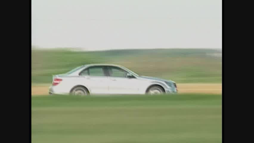 Mercedes-Benz C63 AMG - Running
