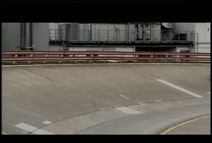 Mercedes-Benz S400 Hybrid  - Running