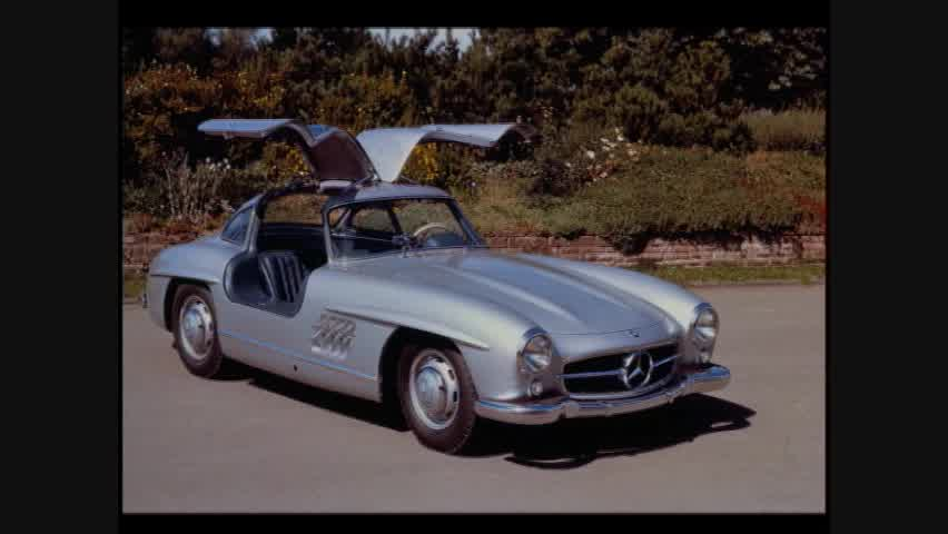 Design: 1954 Birth of the legendary 300SL with gull-winged doors