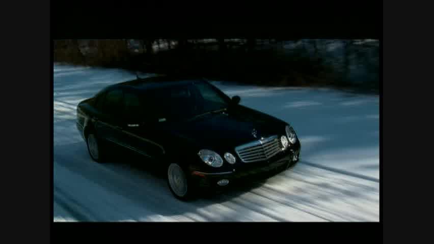 Mercedes-Benz E350 4MATIC - Running