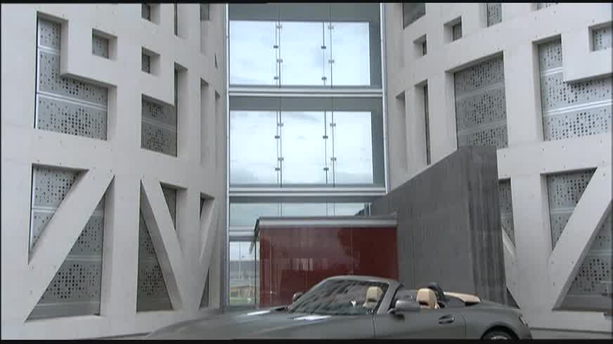 2012 Mercedes-Benz SLS AMG Roadster Design