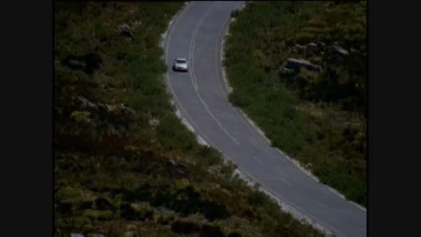 Design: 2004 Mercedes-Benz CLS